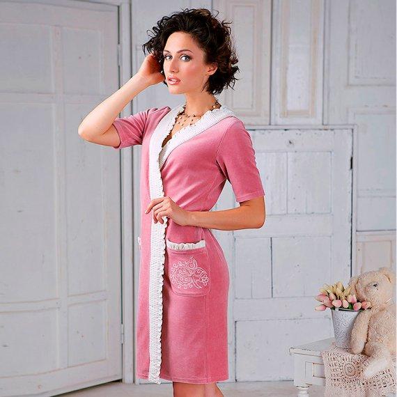 Халаты и платья из велюра: особенности материала